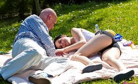 Picnic Ended with Blowjob and Fucking