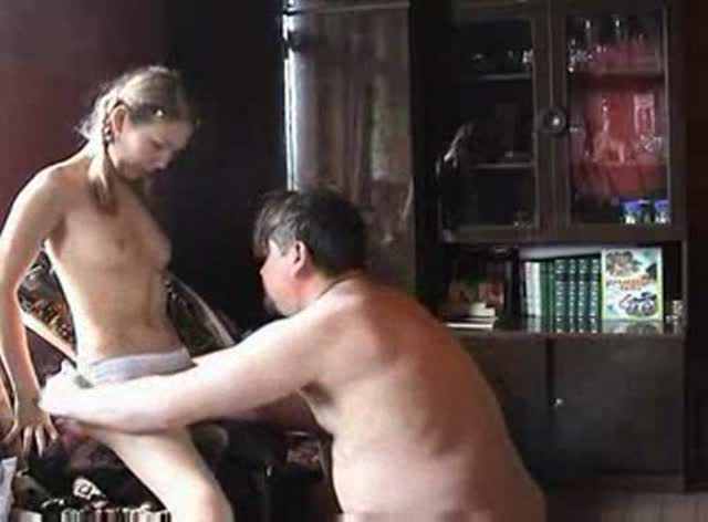 Amateur Sextape with Old Dude and Teen Girl