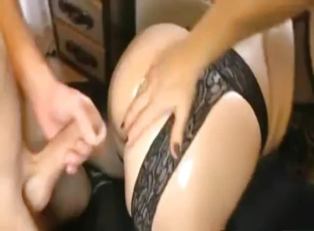 Mature Slut Enjoys Anal Creampie