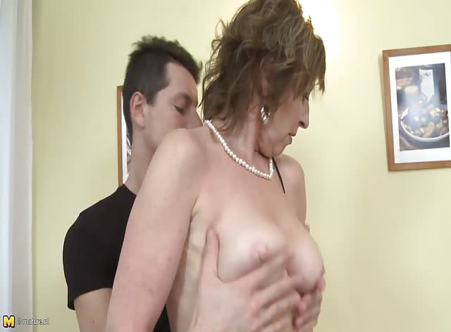 Mature Slut Wakes Up College Guy