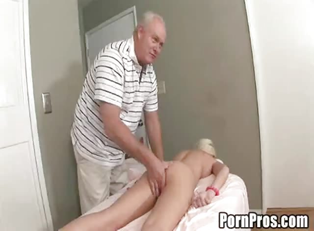 Teen blonde babe got fooled by mature massagist
