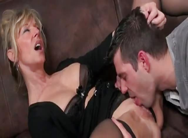 Super Sexy MILF Bangs College Dude