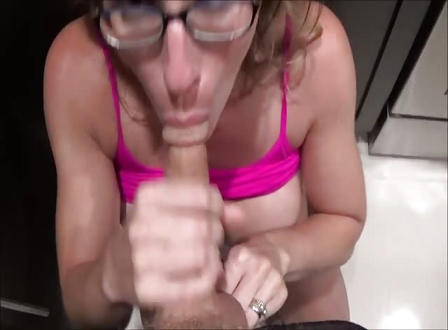 Spying On My Sexy Stepmom