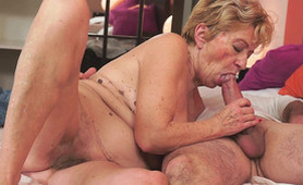 Granny Knows Hot to Take Care of That Young Dick - Vintage Sex