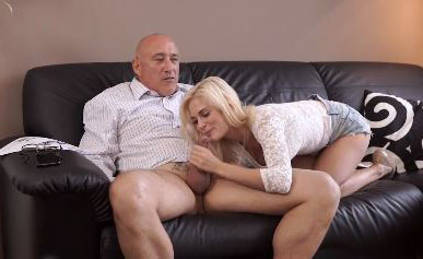 Curious blonde wanted to try sex with experienced partner